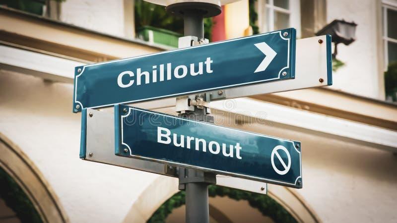 Sinal de Rua para Chamada versus Burnout imagens de stock royalty free
