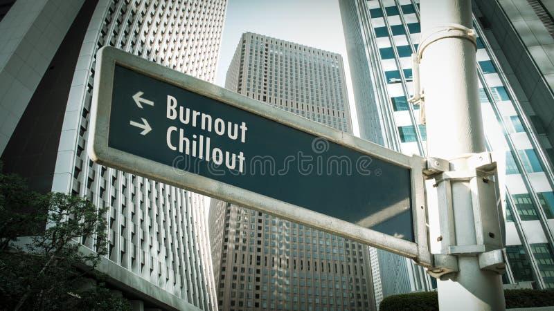 Sinal de Rua para Chamada versus Burnout foto de stock