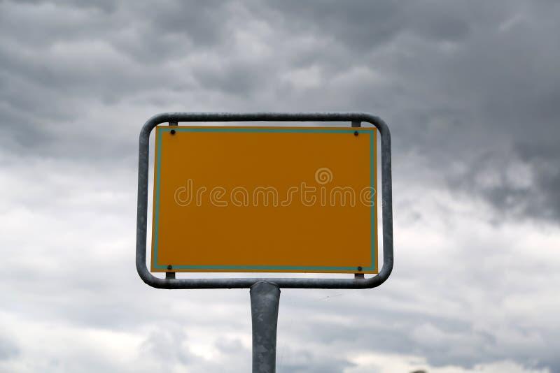Sinal de rua vazio imagem de stock