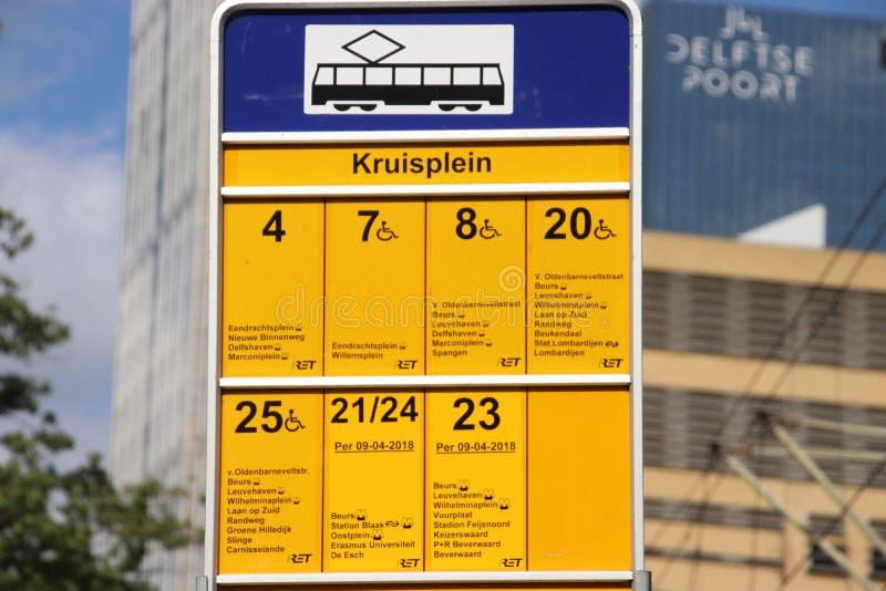 Sinal de todos os elétricos do bonde que para na parada Kruisplein em Rotterdam nos Países Baixos imagens de stock royalty free