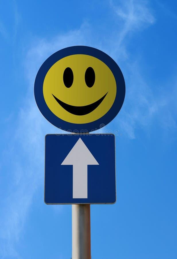 Sinal de tráfego - felicidade adiante fotografia de stock