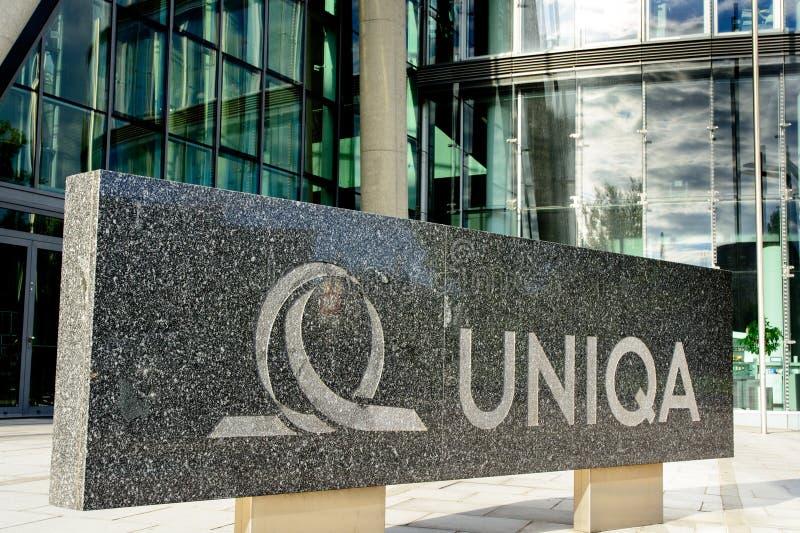 Sinal de Uniqa na sede da empresa imagem de stock royalty free