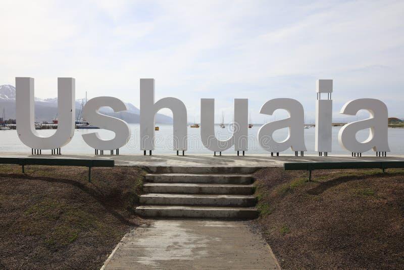 Sinal de Ushuaia na margem da cidade a mais do sul do mundo argentina foto de stock