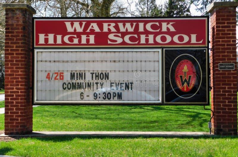 Sinal de Warwick High School foto de stock