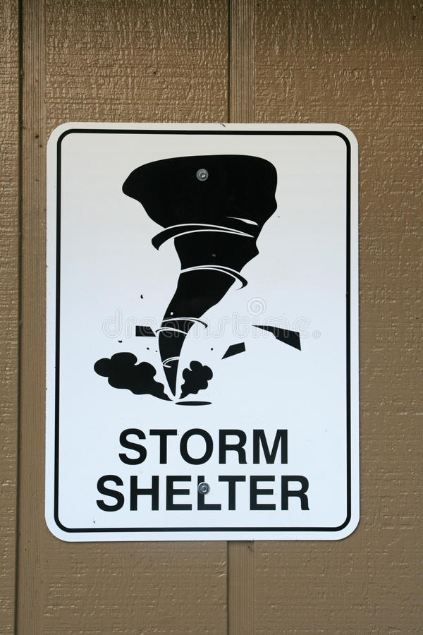 Sinal do abrigo de tempestade imagem de stock royalty free