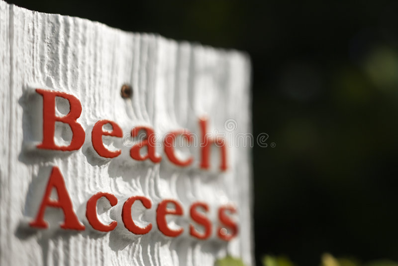 Sinal do acesso da praia. imagem de stock