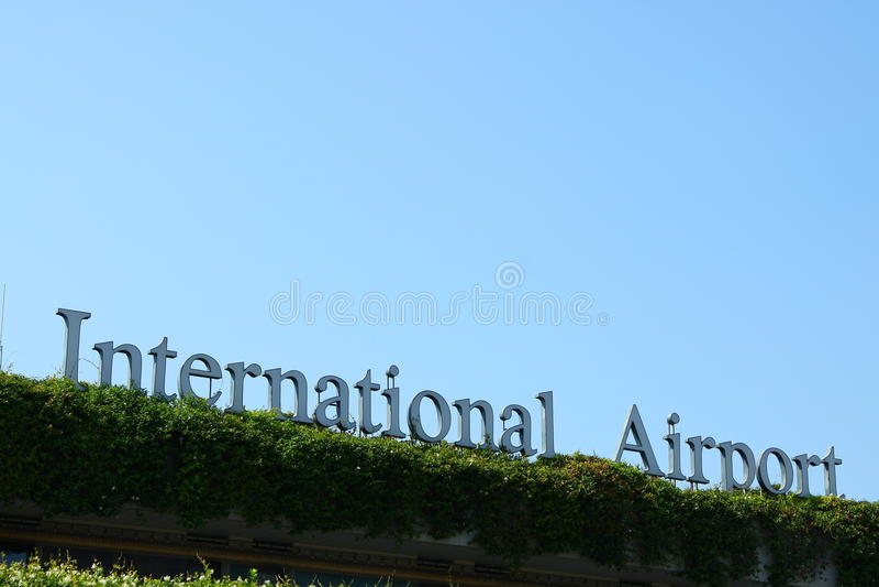 Sinal do aeroporto internacional fotografia de stock royalty free