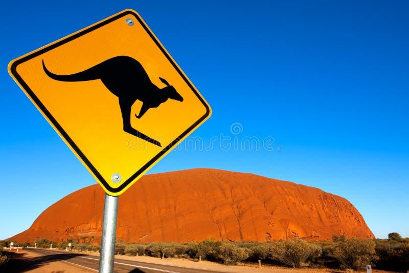 Sinal do canguru de Uluru Austrália fotografia de stock