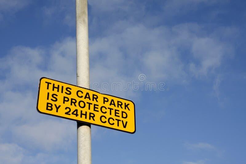Sinal do CCTV do parque de estacionamento imagem de stock