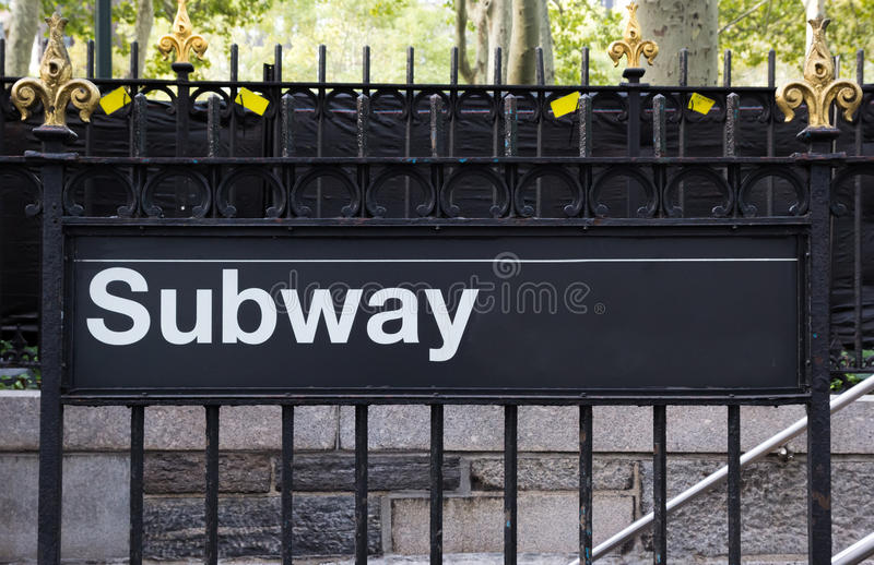 Sinal do metro de New York City fotografia de stock royalty free