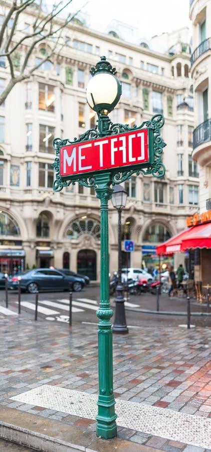 Sinal do metro de Paris imagem de stock