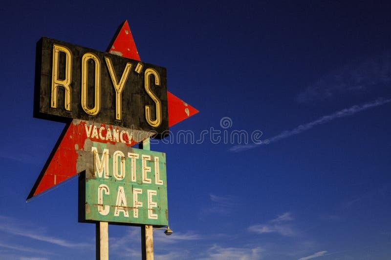 SINAL do MOTEL de ROY ANTIGO - Route 66 América fotos de stock
