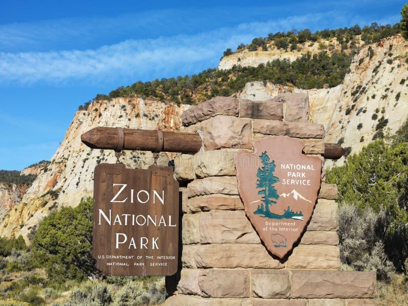 Sinal do parque nacional de Zion. imagens de stock