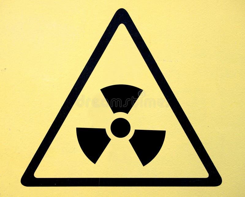 Sinal do símbolo do perigo de radiação da ameaça do radhaz foto de stock royalty free