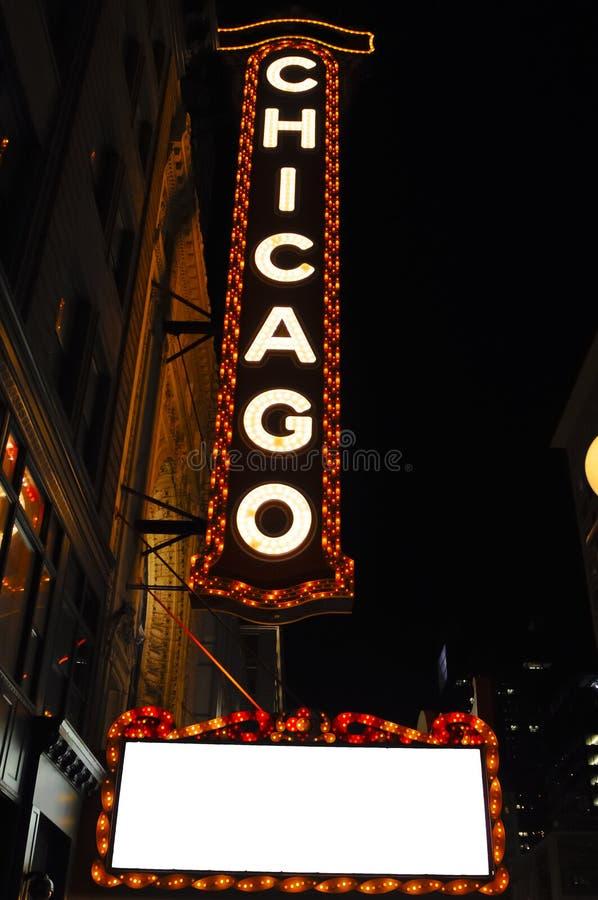 Sinal do teatro de Chicago na noite fotos de stock