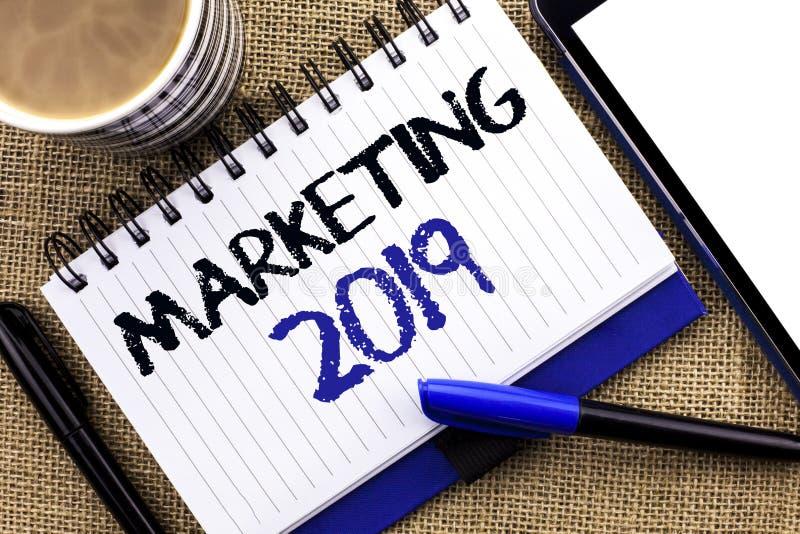 Sinal do texto que mostra o mercado 2019 Novo começo conceptual das estratégias do mercado de ano novo da foto que anuncia as ide foto de stock