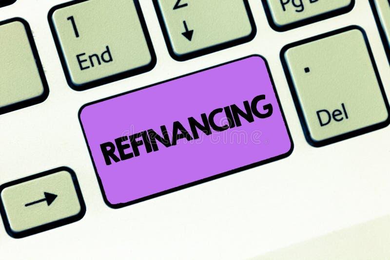 Sinal do texto que mostra o refinanciamento Finança conceptual da foto outra vez com empréstimos novos em um mais desprezado do i imagens de stock royalty free