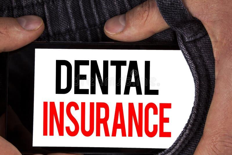 Sinal do texto que mostra o seguro dentário A cobertura conceptual da disposição dos cuidados médicos do dentista da foto planeia fotografia de stock