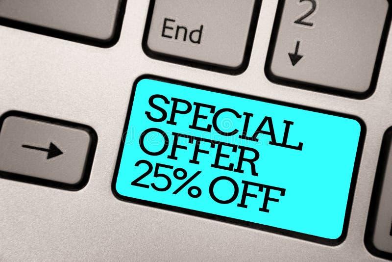 Sinal do texto que mostra a oferta especial 25 fora Chave de computador varejo do cinza de prata da oferta do mercado das vendas  fotografia de stock