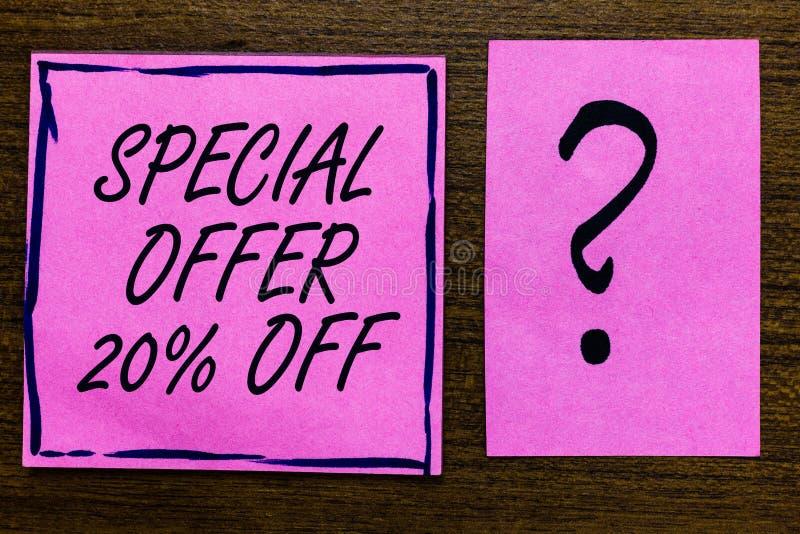 Sinal do texto que mostra a oferta especial 20 fora Preto violeta da cor da oferta varejo conceptual do mercado das vendas da pro imagem de stock