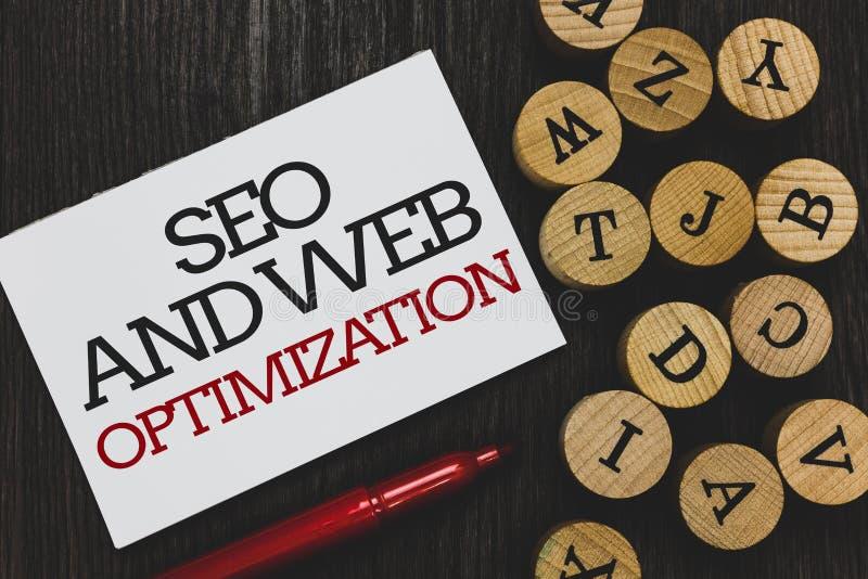 Sinal do texto que mostra Seo And Web Optimization Estratégias de marketing conceptuais de Keywording do Search Engine da foto es foto de stock royalty free
