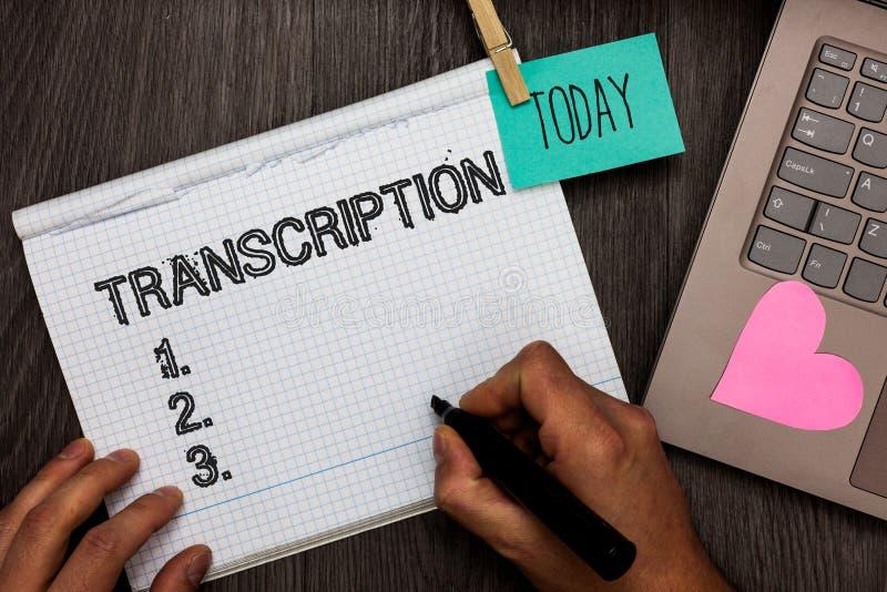 Sinal do texto que mostra a transcrição O processo escrito ou impresso da foto conceptual de transcrição exprime a nomeação GR di fotos de stock