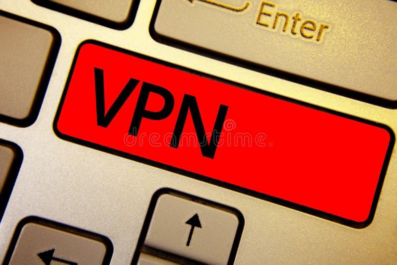 Sinal do texto que mostra Vpn A foto conceptual fixou a rede virtual privada através domínio confidencial das chaves protegidas y imagem de stock