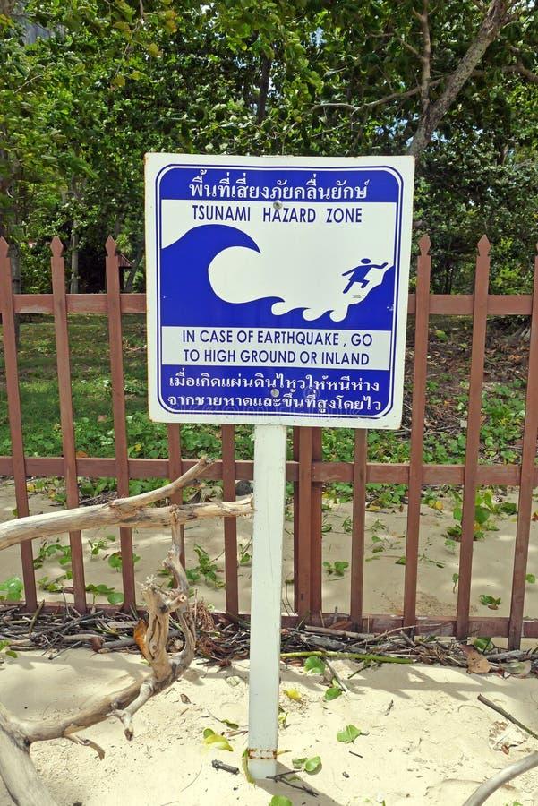 Sinal do tsunami foto de stock royalty free