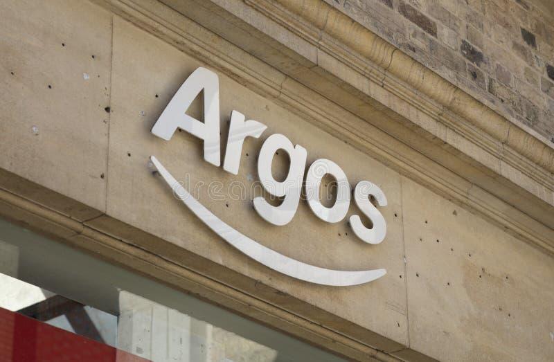 Sinal e logotipo da loja do catálogo de Argos fotografia de stock royalty free