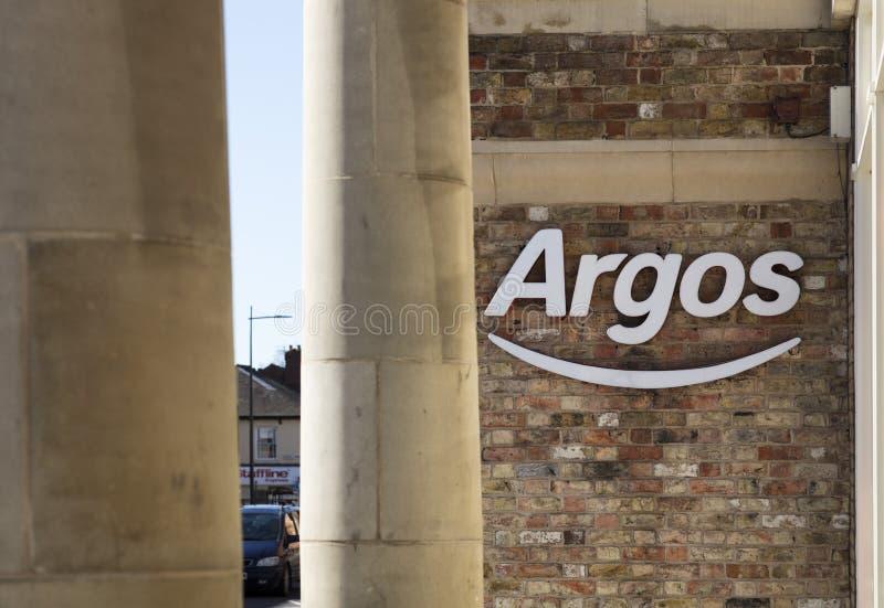 Sinal e logotipo da loja do catálogo de Argos imagem de stock