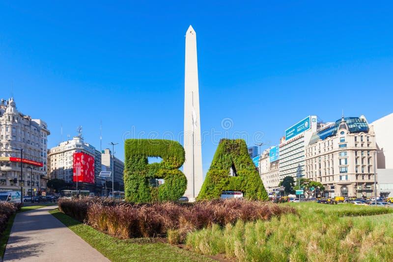 Sinal e Obelisco de Buenos Aires fotografia de stock