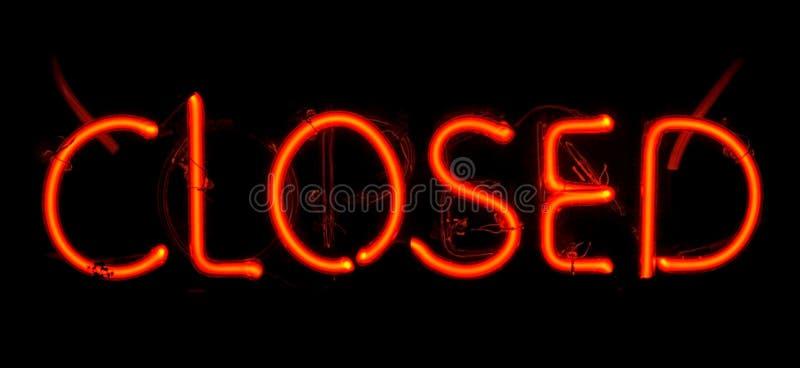 Sinal fechado néon fotografia de stock royalty free