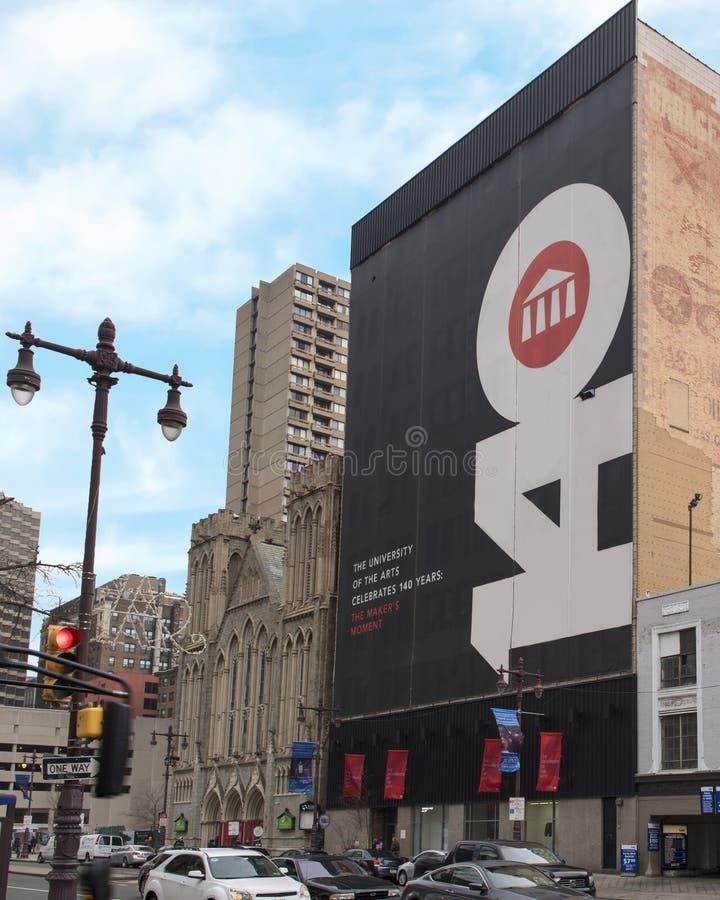 Sinal gigante que commenorating 140 anos de existência para a universidade das artes, Philadelphfia imagem de stock