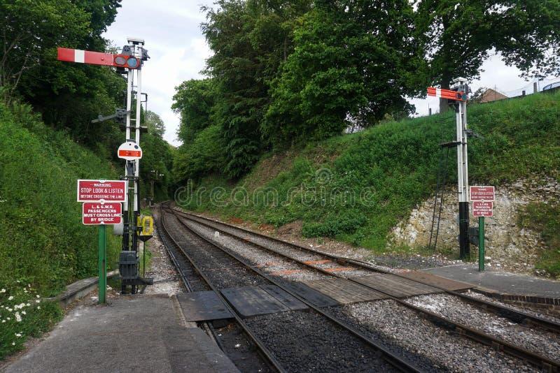 Sinal meados de da estrada de ferro do vapor de Hants na extremidade de uma plataforma fotos de stock royalty free