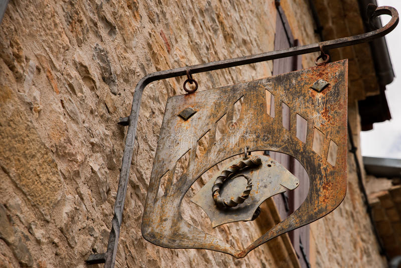 Sinal medieval da guilda foto de stock