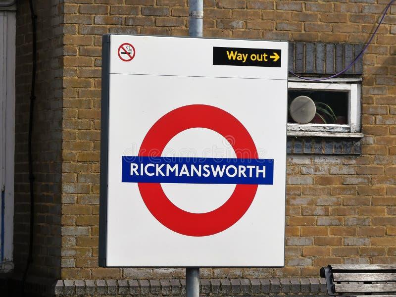 Sinal metropolitano subterr?neo da estrada de ferro de Rickmansworth Londres imagens de stock