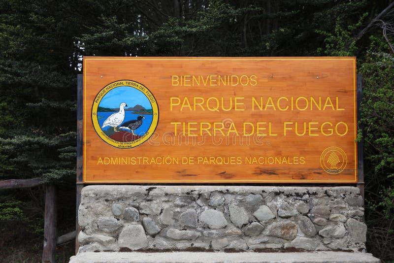 Sinal na entrada de Tierra del Fuego National Park Ushuaia argentina imagem de stock royalty free