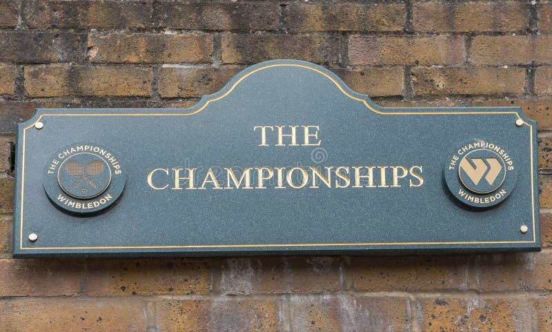 Sinal na entrada a Wimbledon fotografia de stock