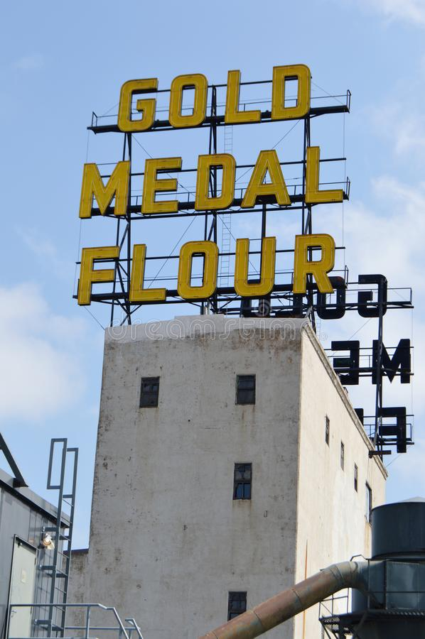Sinal no museu da cidade do moinho, Minneapolis da farinha da medalha de ouro fotos de stock
