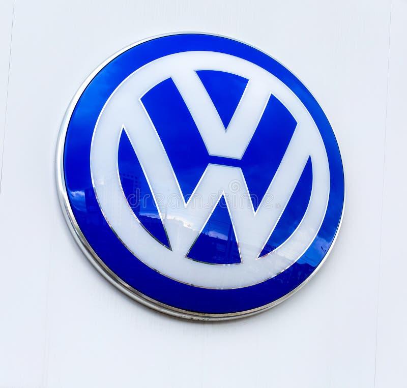 Sinal oficial do negócio de Volkswagen fotos de stock royalty free