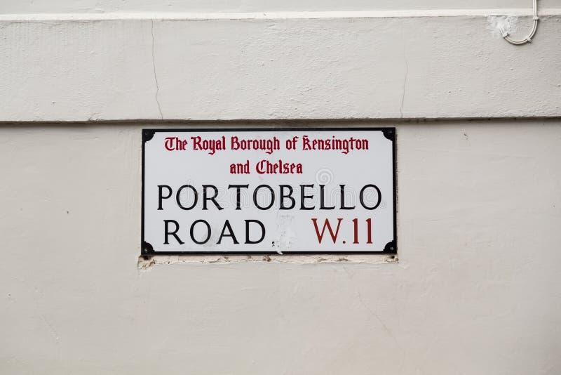 Sinal para a estrada de Portobello em Londres foto de stock
