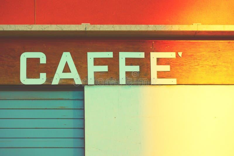 Sinal retro de um café em Veneza foto de stock