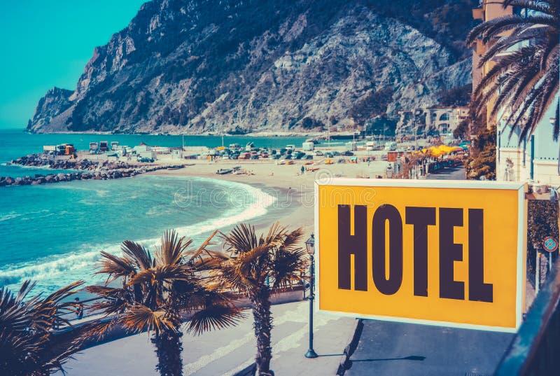 Sinal retro do hotel da praia do Euro fotos de stock royalty free
