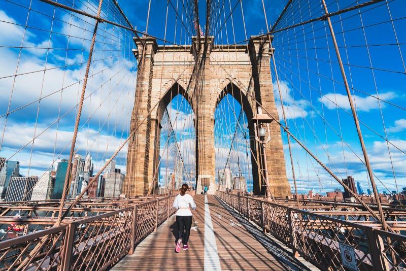 Sinal, tijolos, perto da ponte de Brooklyn fotos de stock royalty free