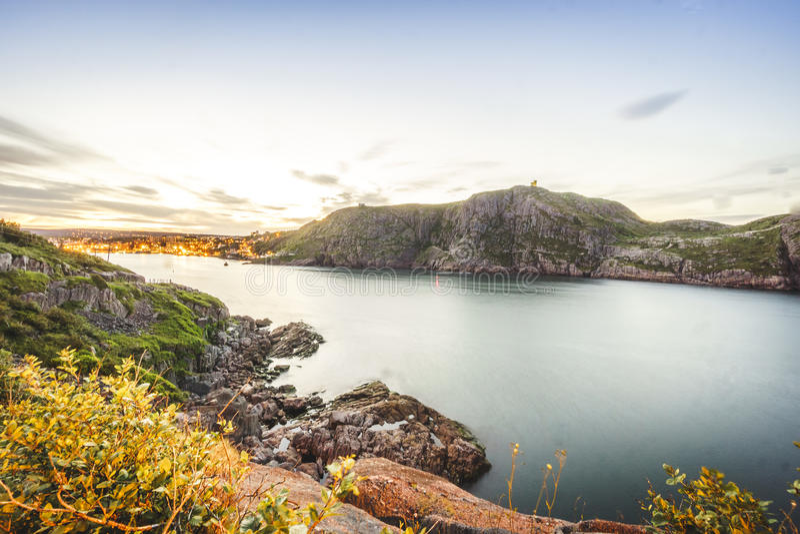 Sinalize o monte e o ` iluminado s de St John, Terra Nova, Canadá fotos de stock