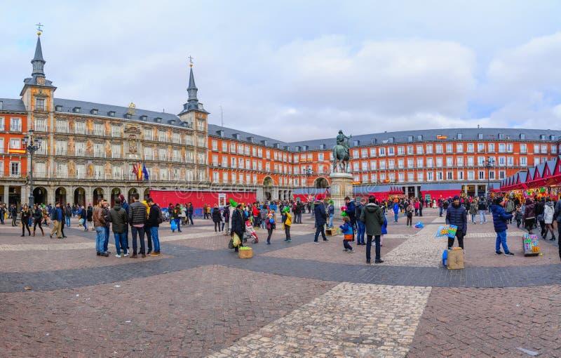 Sindaco della plaza con un mercato di Natale, a Madrid fotografie stock libere da diritti