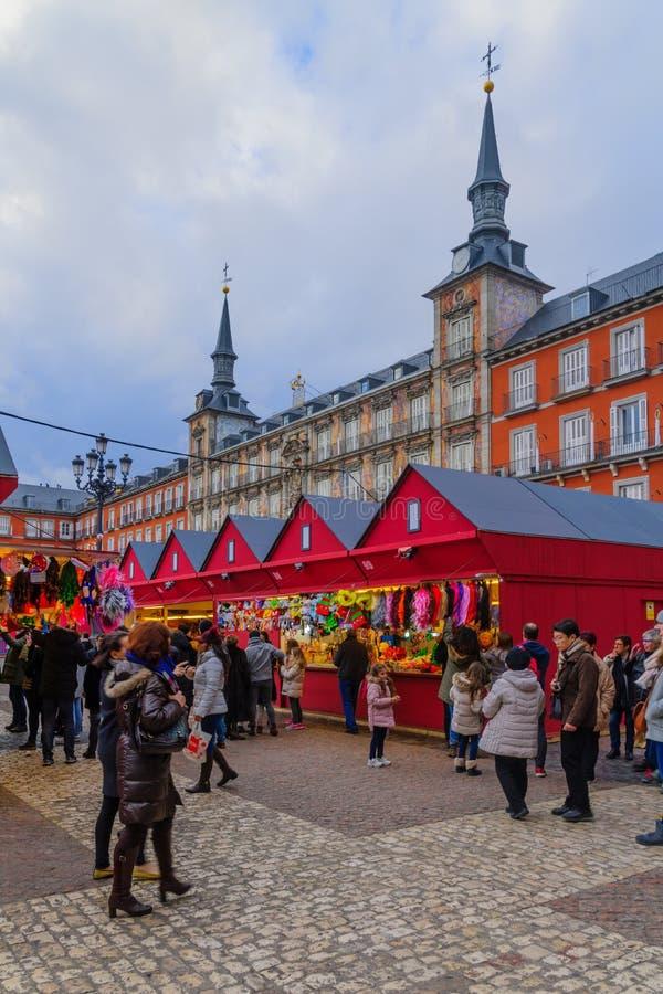 Sindaco della plaza con un mercato di Natale, a Madrid fotografia stock libera da diritti