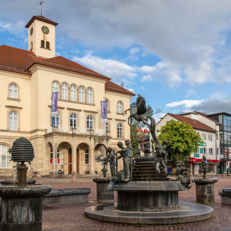 Sindelfingen, Baden Wurttemberg /Germany - 11 Mei, 2019: De bouw van de stadsgalerij, Stadtgalerie en marktfontein royalty-vrije stock afbeelding