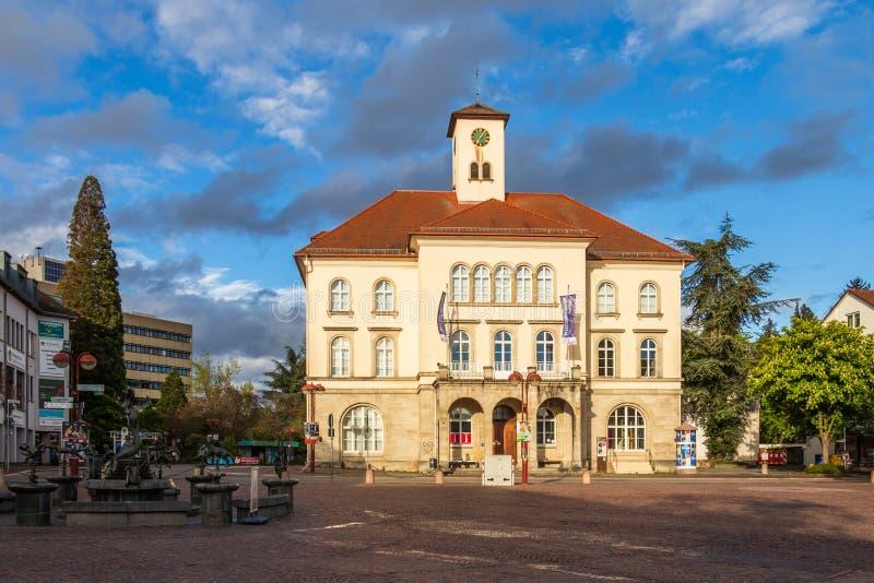 Sindelfingen, Baden Wurttemberg /Germany - 11 Mei, 2019: Panorama van de bouw van de Stadsgalerij, Stadtgalerie en marktfontein royalty-vrije stock afbeelding