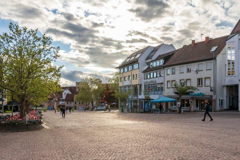 Sindelfingen, Baden Wurttemberg /Germany - 11 Mei, 2019: Straatscenario van Centraal Marktvierkant, Marktplatz met gebouwen royalty-vrije stock afbeeldingen